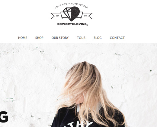 dark clean website so worth loving