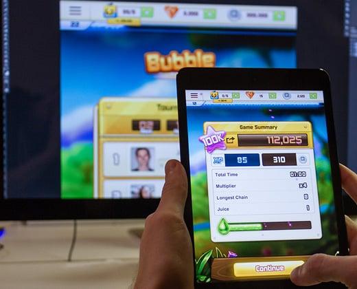 ipad iphone bubble blitz design